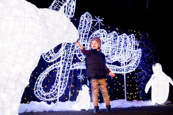 kid at christmas glow