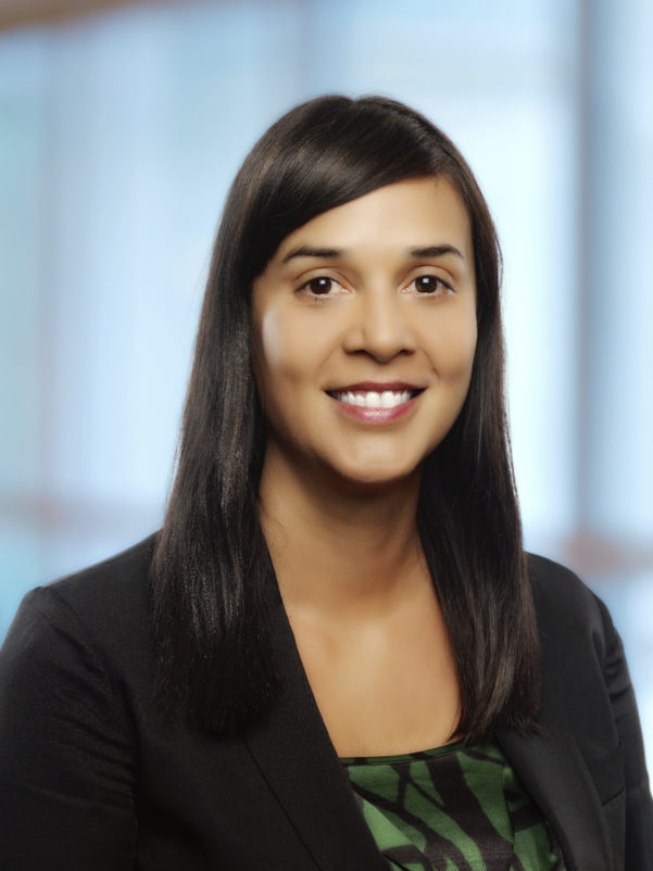 Marcela Mandeville headshot